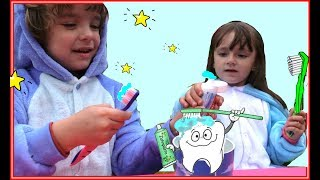 Gambar cover This is the way Makar and Ksenia Version  Songs for kids