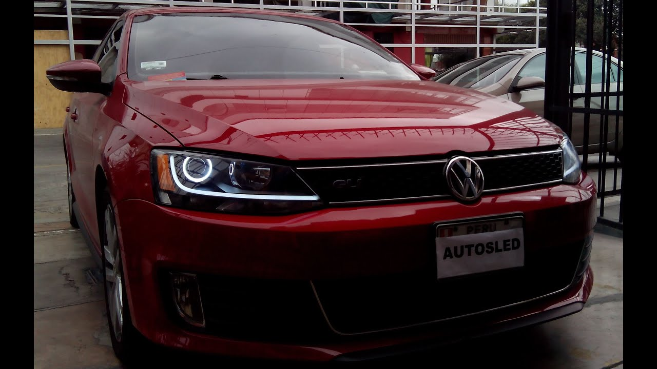 Faros personalizados VW Jetta 2012 - YouTube