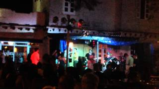2014-12-28 Cuban Cover Band... Girls Got Rhythm (Varadero)