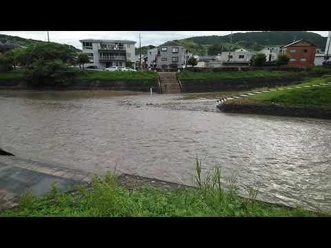 6月23日の大雨のあとの京都市山科区の川