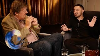 Bipolar: Adam Deacon & Stephen Fry on 'lifelong struggle' - BBC News