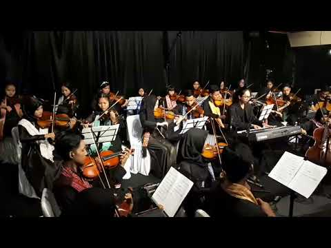 Di Bawah Tiang Bendera Iwan Fals By Christian Debussy Feat Kita String Unlimited