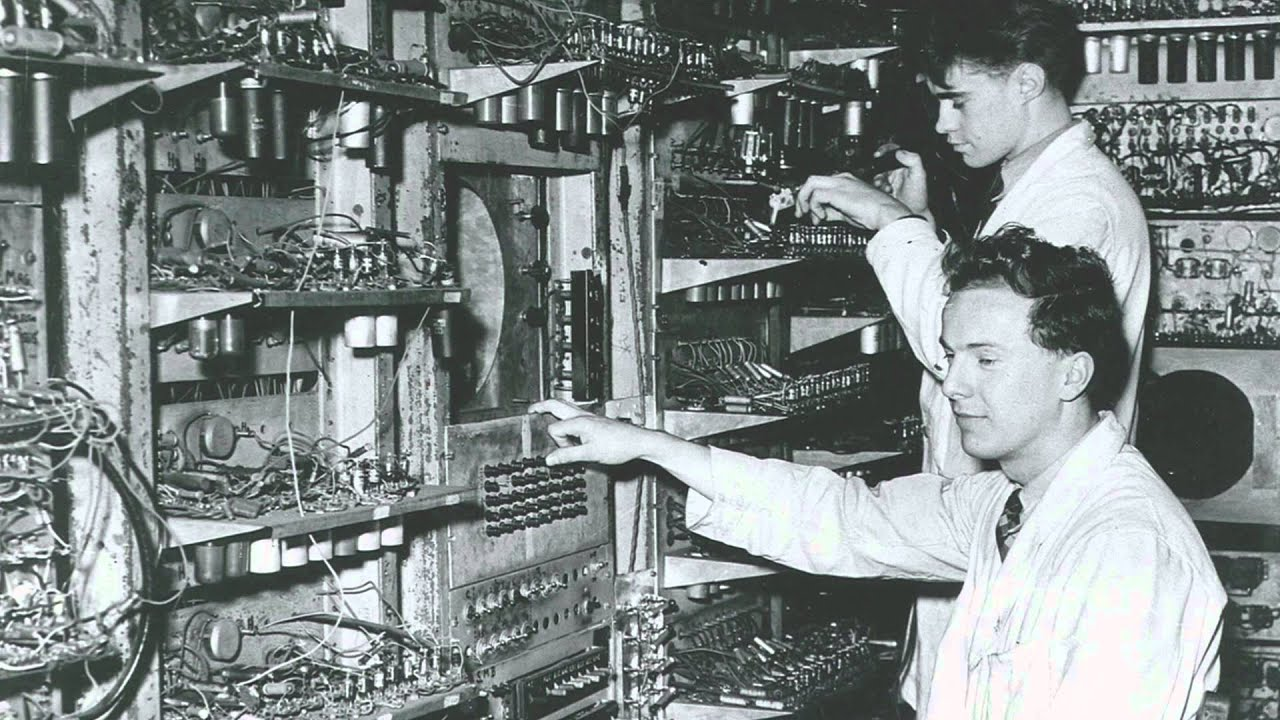 Manchester Baby: world's first stored program computer ...