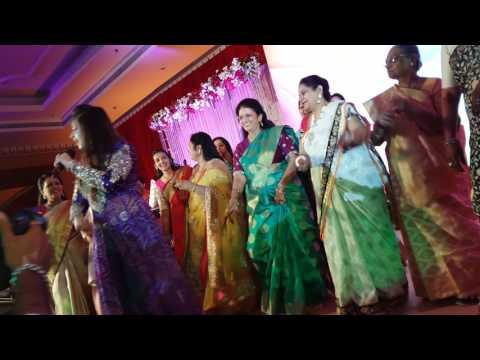 Aishwarya Majmudar | Live | Wedding Sangeet Compilations | 2016