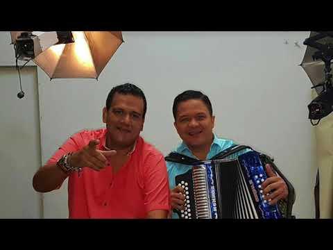 La dueña de mi suerte - Ramiro y Joche ( LETRA - FULL AUDIO ) Vallenato