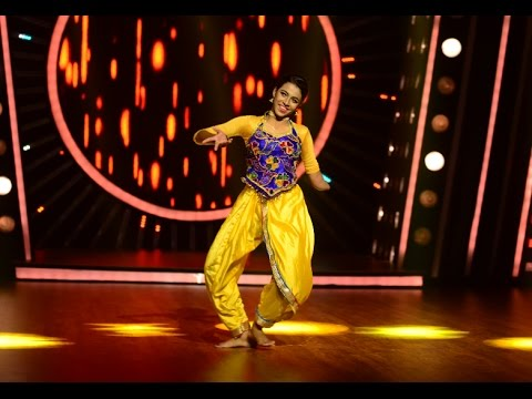 D4 Junior Vs Senior l Athira- Sizzling performance l Mazhavil Manorama