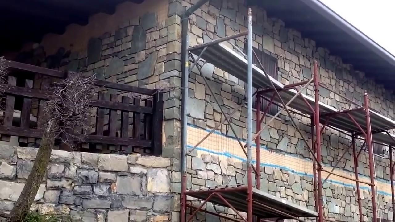 Rivestimenti in pietra naturale per casa in montagna youtube for Rivestimento in mattoni per case