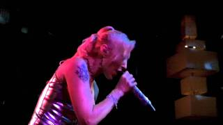 BT - Every Other Way Live performance by Jes  @ On Broadway 08-13-2011