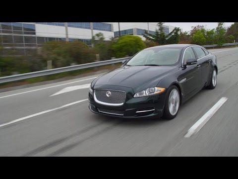 Car Tech - 2015 Jaguar XJL