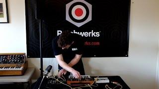 Patchwerks presents Korg Monologue - Nick Kwaś demo w/ Volca Sample, SQ-1 & MakeNoise 0-Coast