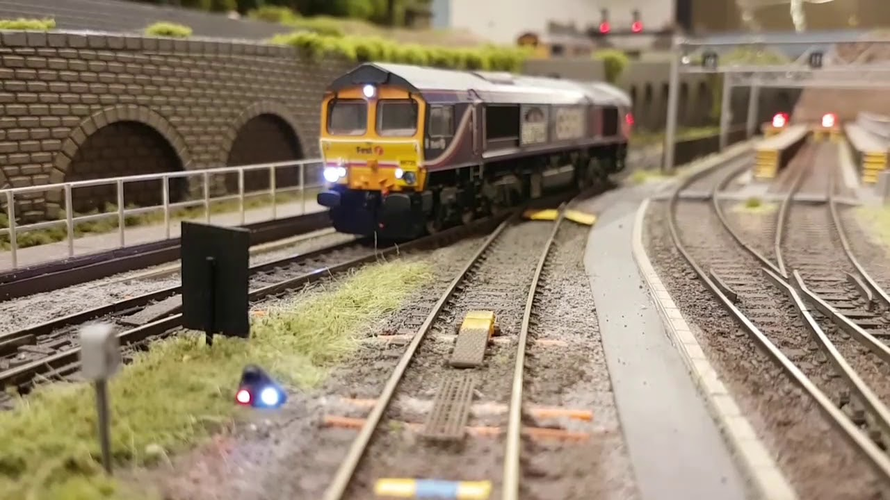 Modern Image Model Railway Layout Tour DCC Exeter St Andrews