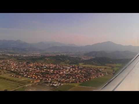 Ryanair Dublin to Milan - Bergamo. Landing