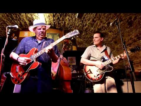 Mojo Blues Band plays 'She Walks Right In'