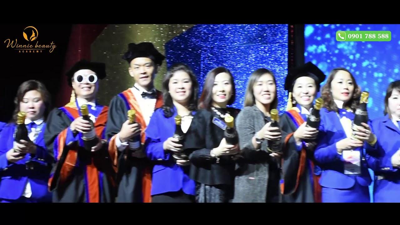 Trao chứng nhận và trình diễn kỹ năng nghề tại Hong Kong