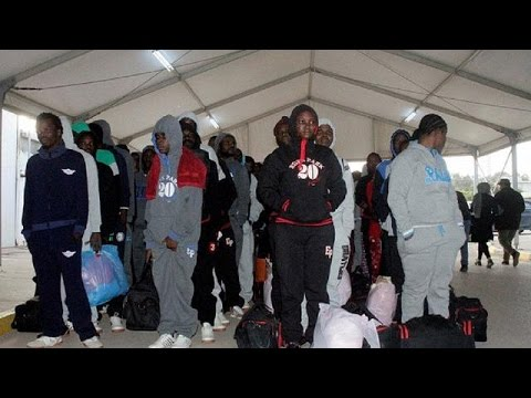 Libya deports more than 100 African migrants
