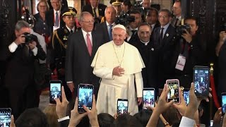 Pope hits out at corruption in front of Peru's president