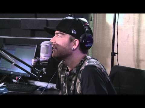 Adam Lambert Plays 'Maurie-oke' Queen Edition on the Roz & Mocha Show | KiSS 92.5