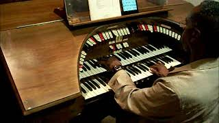 "REGGIE WATKINS plays""Li'l Darling""on 1928 Wurlizter Pipe Organ"