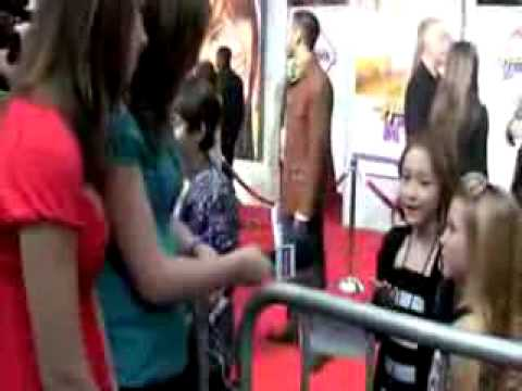 Noah lindsey cyrus and emily grace reaves on hannah montana the movie premiere