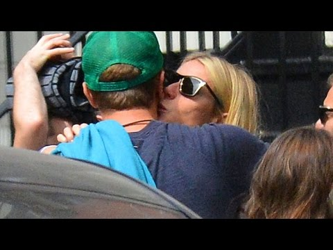 Gwyneth Paltrow and Chris Martin Reunite For Her Birthday and Kiss