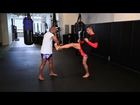 How to Defend a Push Kick in Kickboxing | Muay Thai