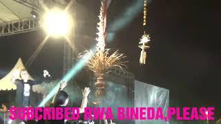 Video AKSI NEKAT CEWEK BERGOYANG DI PAGAR ( ENJOY - MEKENALAN ) | LAGU TERBARU TRIPLE X | SUMPAH PEMUDA download MP3, 3GP, MP4, WEBM, AVI, FLV Desember 2017