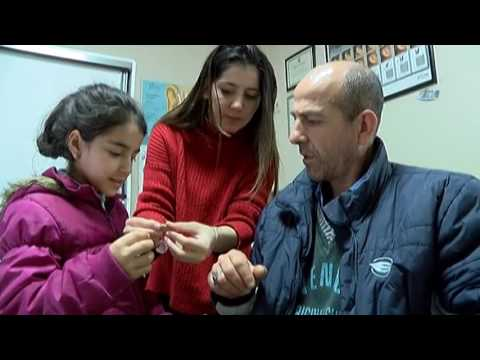 İşitme Engelli Baba Kızının Sesini İlk Kez Duyunca Tepkisi