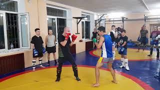 Правый прямой после уклона, урок Тайского бокса N4 Серек Уразов