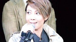 柚希礼音が、東京・帝国ホテル東京 本館1階 ロビーにて行われたクリスマ...