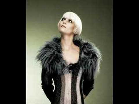 Bertine Zetlitz- 500 og/and fake your beauty