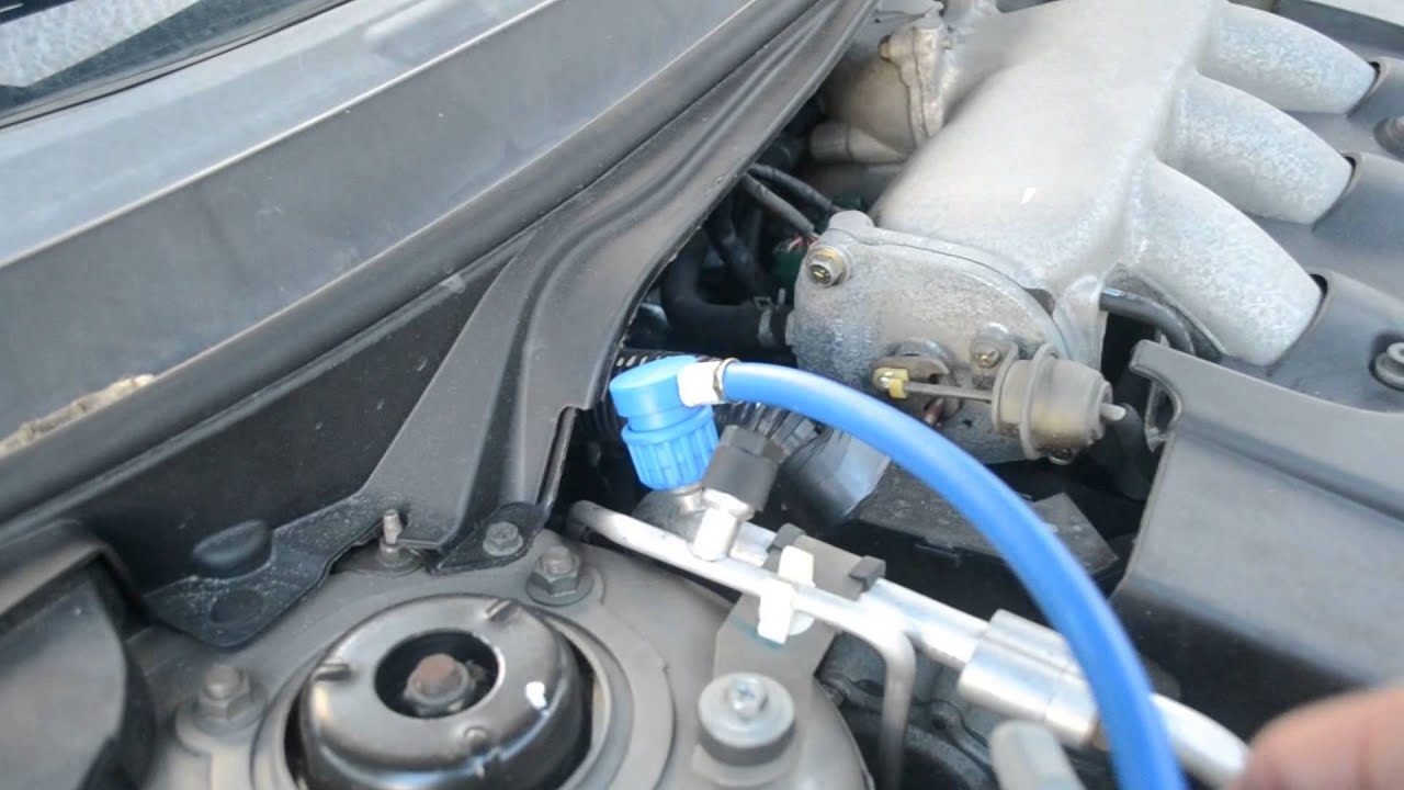 Recharging Car S Air Conditioning Refrigerant Youtube