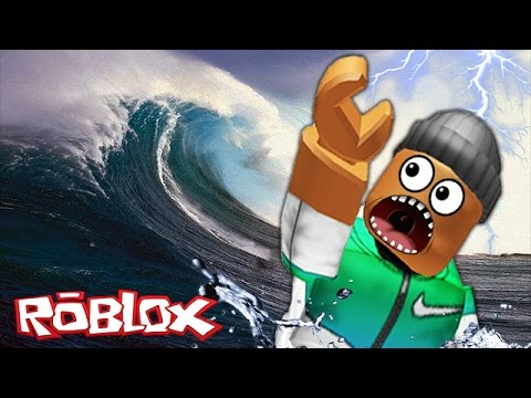 SURVIVING THE TSUNAMI IN ROBLOX!