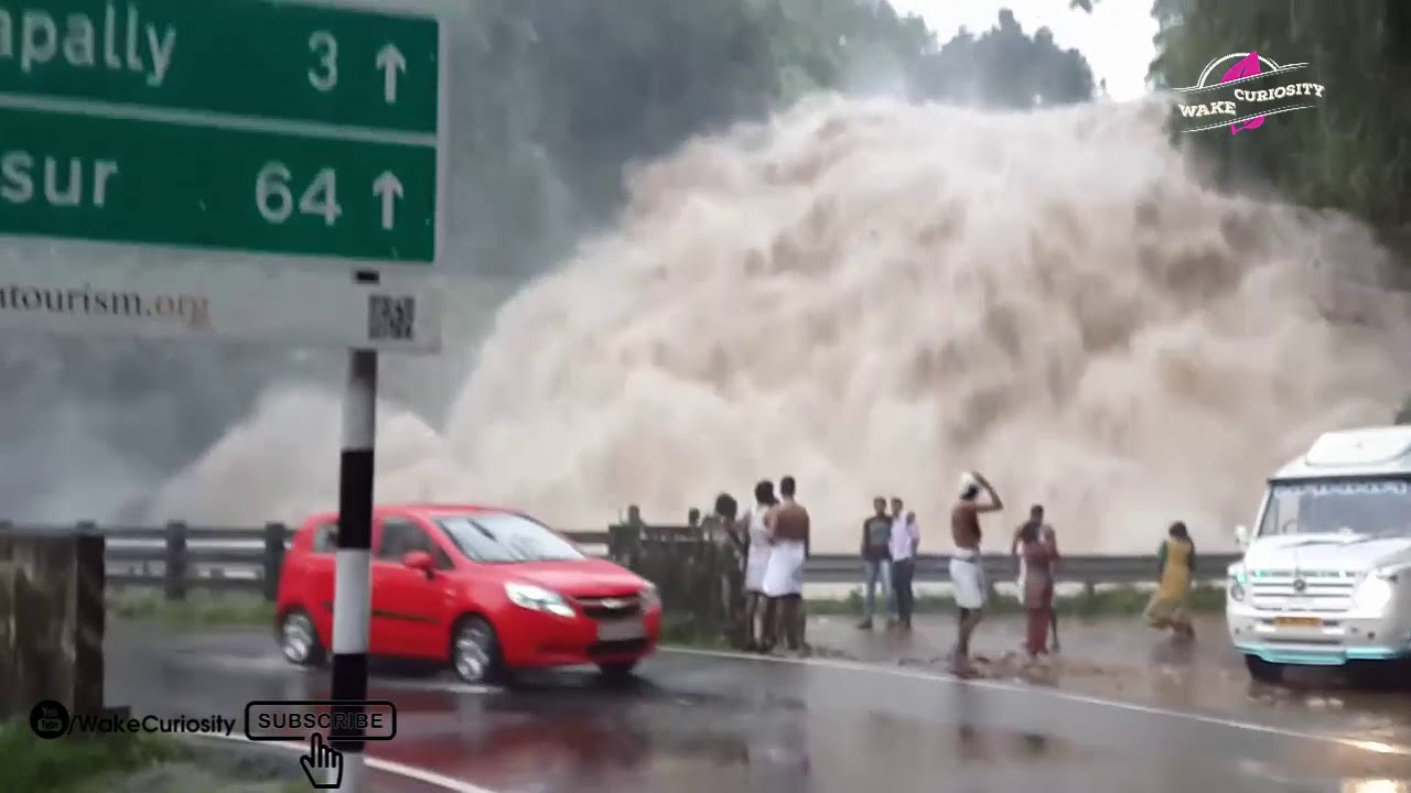 Dramatic flash floods tore through Zion National Park. See photos of ...