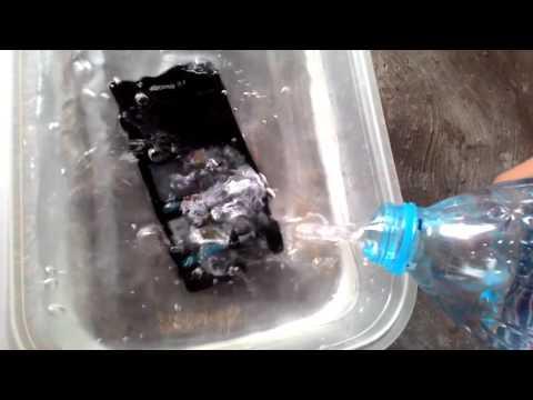 Sony Z1 Compact Docomo Water Test!!!