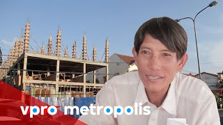 Download Video Living at a construction site in Laos - vpro Metropolis MP3 3GP MP4