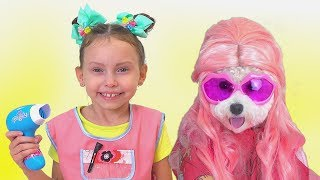 Alice pretend play in beauty salon with pets and friends