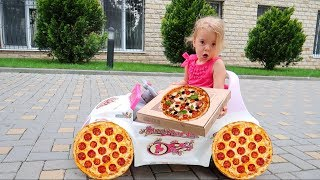Anabella Pretend play pizza delivery | Story for kids | Anabella Show