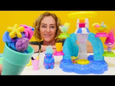 PlayDoh Video - Spielspaß Mit Den Trolls - Unsere Neue Eismaschine