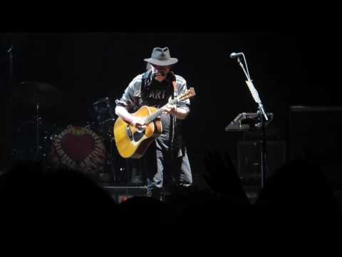 Neil Young: Comes a time Helsinki 2016