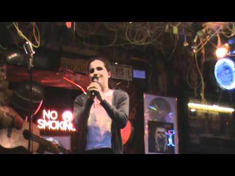 Agnieszka Svenja Ottawa im Karaoke- Pub Teil 2