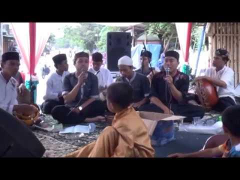 SHOLAWAT AL-MUSAWIRI-QOMARUN (LIVE VERSI AL-MANSYURIAH)