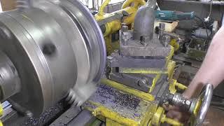 Нарезка дисков из листового металла (Cutting heavy metal discs)