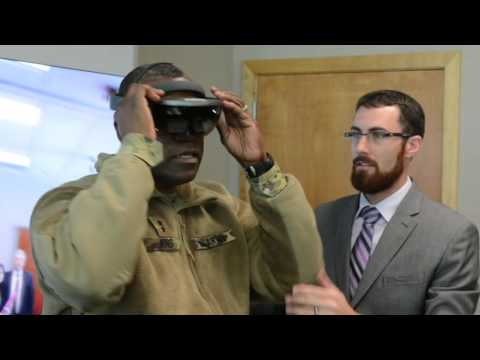 Army general learns about 3-D printing capabilities