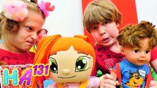 Hayal Ailesi Lili Arseny ile kuaförcülük oynuyor Çocuk dizisi