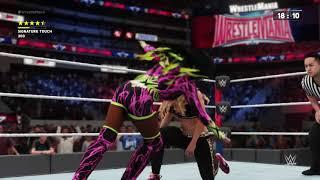 Naomi vs Carmella Grand Stand