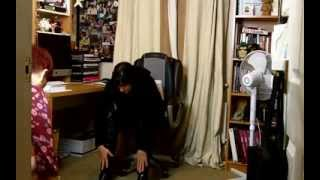 Day 4 Yoga at your desk 5 day challenge - office yoga  for hips, knees and legs