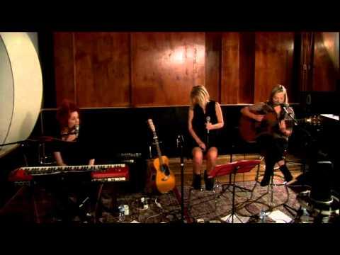 Martha Marlow, Abby Dobson & Katie Noonan - Big Yellow Taxi (Live at Music Feeds Studio)