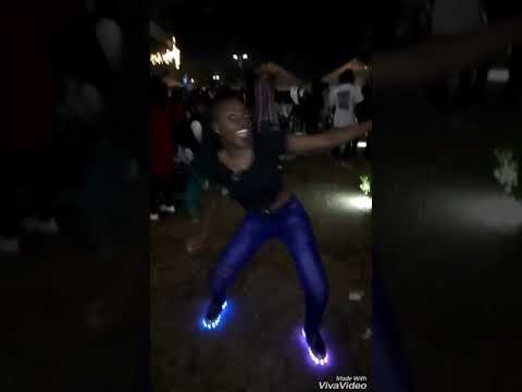 Zambian Girl Dancing Gwara Gwara,Omunye By Distruction Boyz ft Benny Maverick