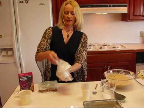 Betty's Harvest Time Applesauce Spice Cake