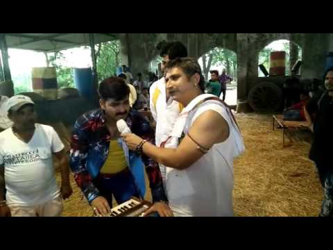 Lovely Song Sang By Pawan Singh With Awdhesh Mishra